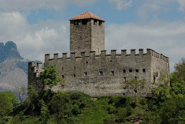 castello zumelle jeipeg I castelli (Collalto  Susegana  Conegliano  Castelbrando  Zumelle)
