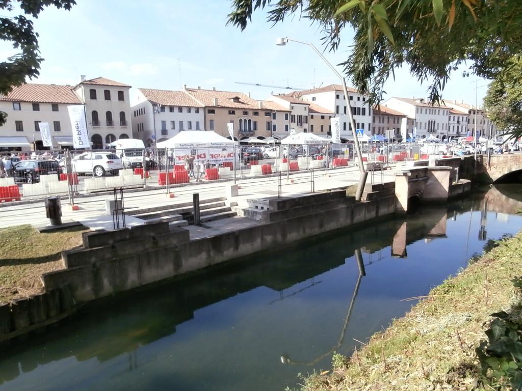 piazza giorgione 1024x768 Castelfranco  terra del Giorgione